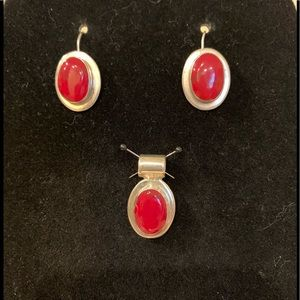 Red malachite and sterling pendant and earrings.